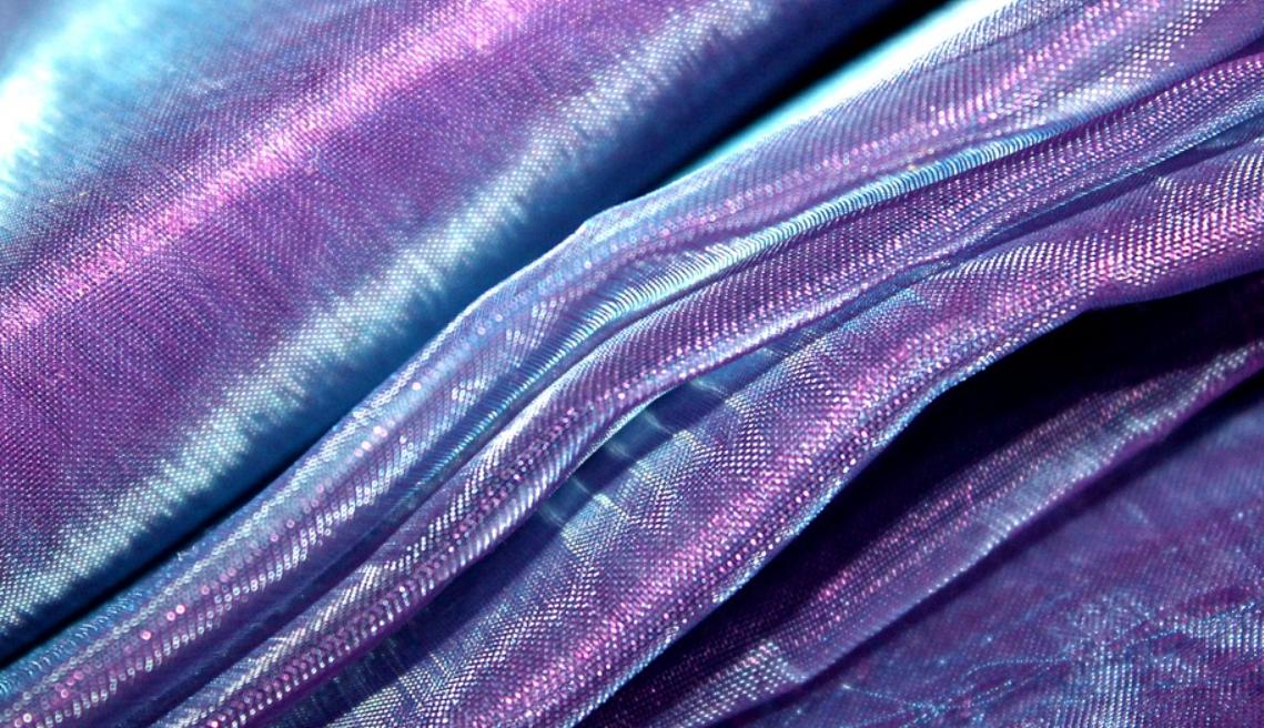 fialová organza