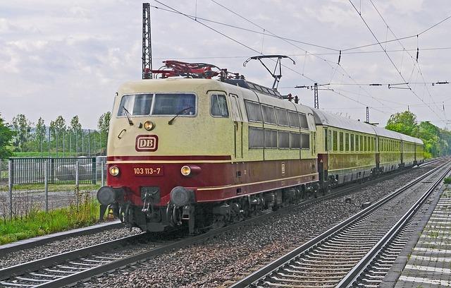starý vlak.jpg