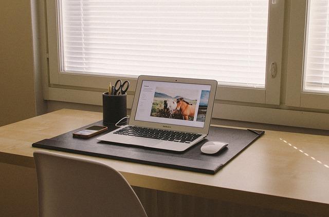počítače kancelář